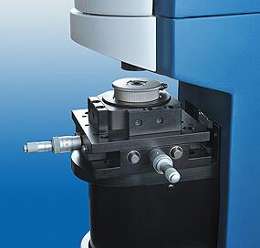 Model Eye as sample holder for in-situ