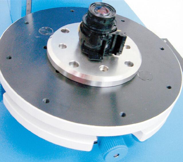 エアーベアリング回転テーブル 被検試料:デジタルカメラユニット